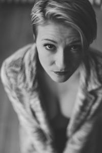 Justine, portrait sensuel. Blueberry corner photographe professionnel à Lyon et Clermont ferrand spécialisé dans la photo de charme, photo glamour et boudoir