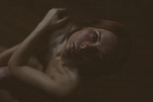 Sandrine, portrait femme nue. Blueberry corner photographe professionnel à Lyon et Clermont ferrand