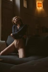 Séance photo intime femme seule à Clermont Ferrand