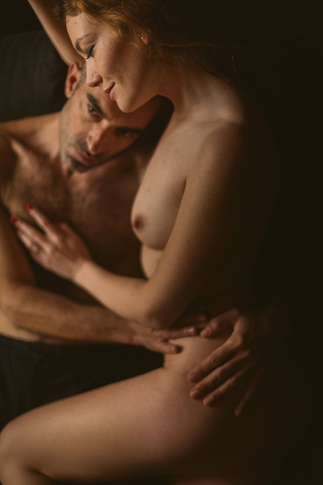 Séance photo intime en couple à Lyon joli couple
