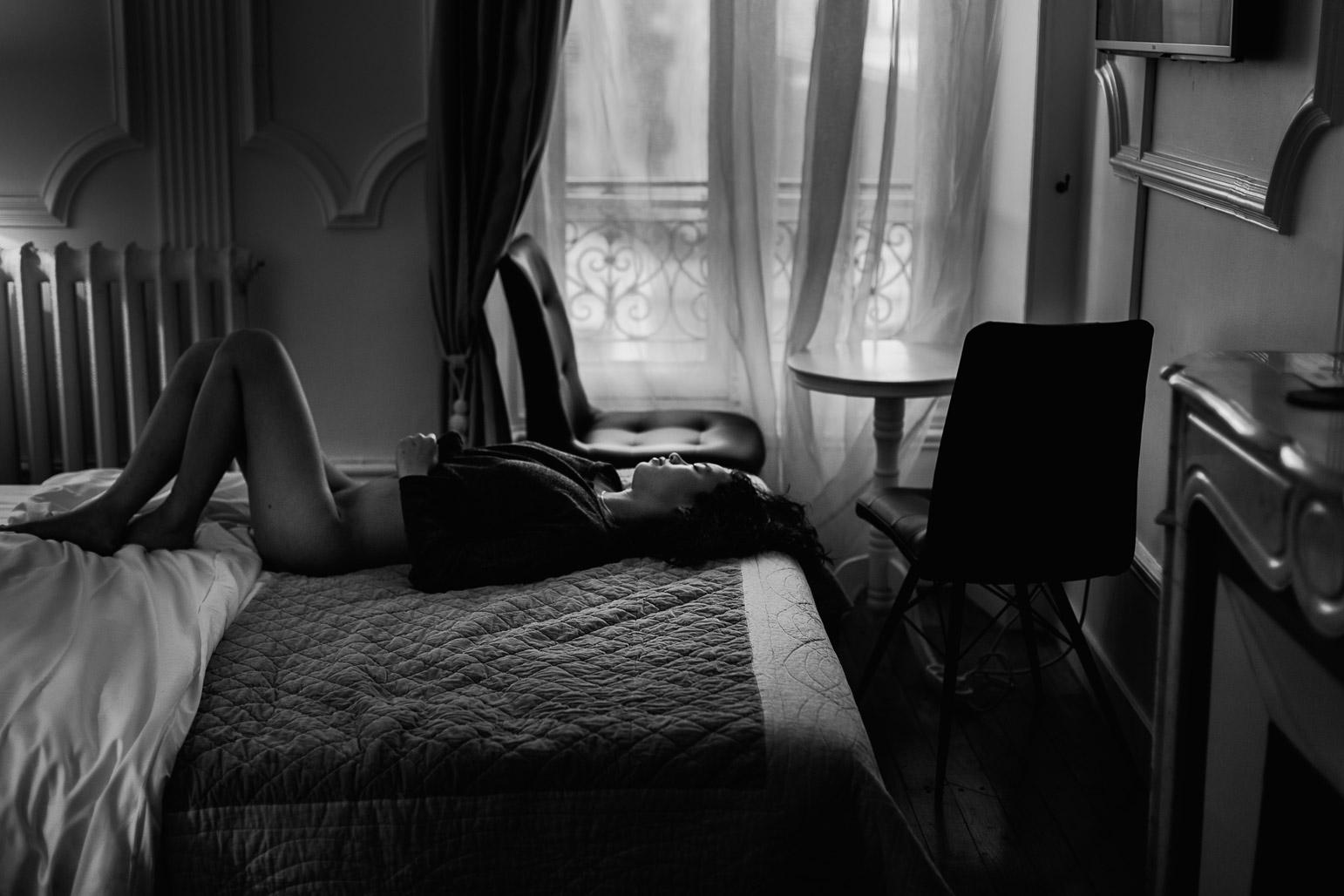 Une séance photo boudoir érotique à Lyon pour femme