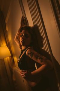 Une séance photo boudoir de nuit à Lyon