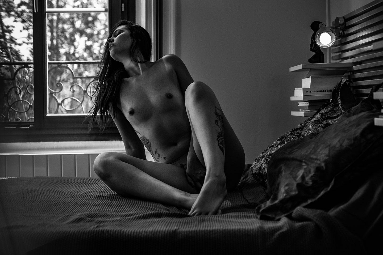 Une séance boudoir érotique incroyable à Lyon, Photographe porn'art
